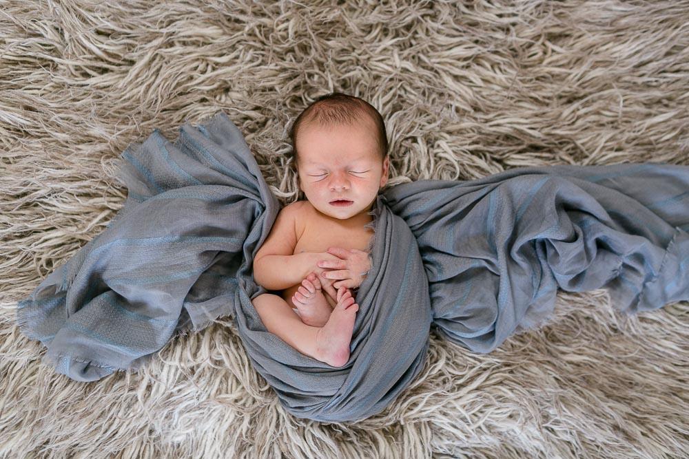 Neugeborenenshooting Dresden Geschwisterkinder